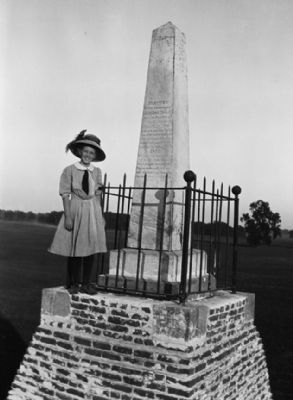 Leonidas Taylor Monument image. Click for full size.