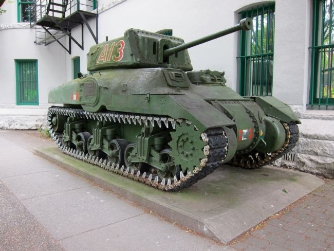Ram Mk II Tank and Marker - 3/4 view image. Click for full size.