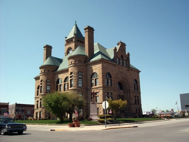 Blackford County Courthouse - and - The Blackford County W. W. I Honor Roll image. Click for full size.