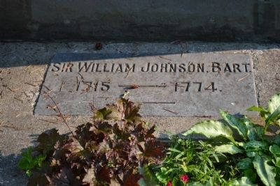 Sir William Johnson's Grave image. Click for full size.