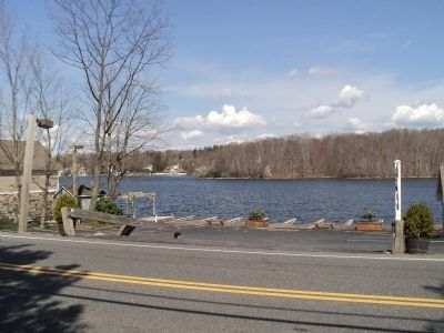 Lake Mahopac image. Click for full size.