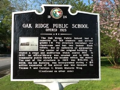 Oak Ridge Public School Marker (front) image. Click for full size.