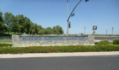 Riverside National Cemetery image. Click for full size.