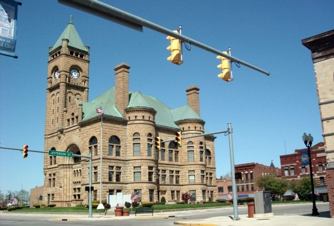 Blackford County Courthouse - and - Korea / Vietnam Honor Rolls image. Click for full size.