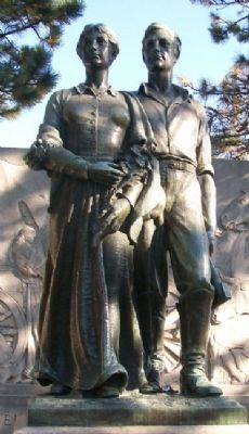 The Munn Pioneer Memorial Statue image. Click for full size.