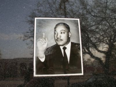Dr. Martin Luther King, Jr. image. Click for full size.