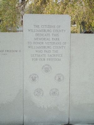 Willamsburg County Veterans Monument Marker Reverse Center image. Click for full size.