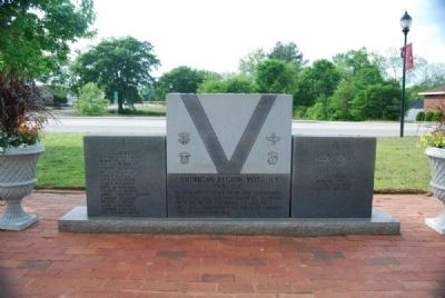 Iva Veterans Monument image. Click for full size.