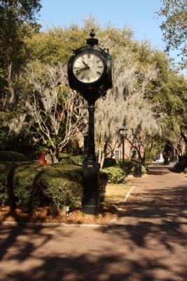 College of Charleston Campus Clock, Class of 1998 image. Click for full size.