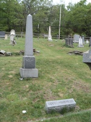 Benny Havens Grave and Marker image. Click for full size.