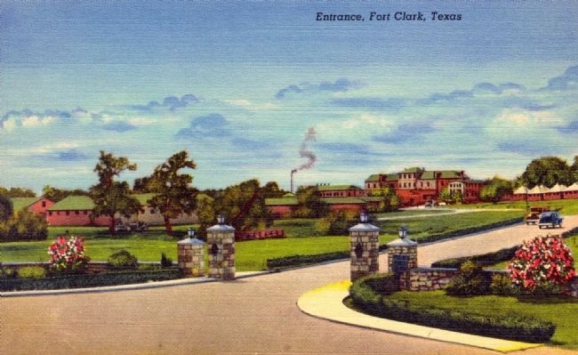 Colorized picture postcard of the entrance to Fort Clark on US Hwy 90 image. Click for full size.