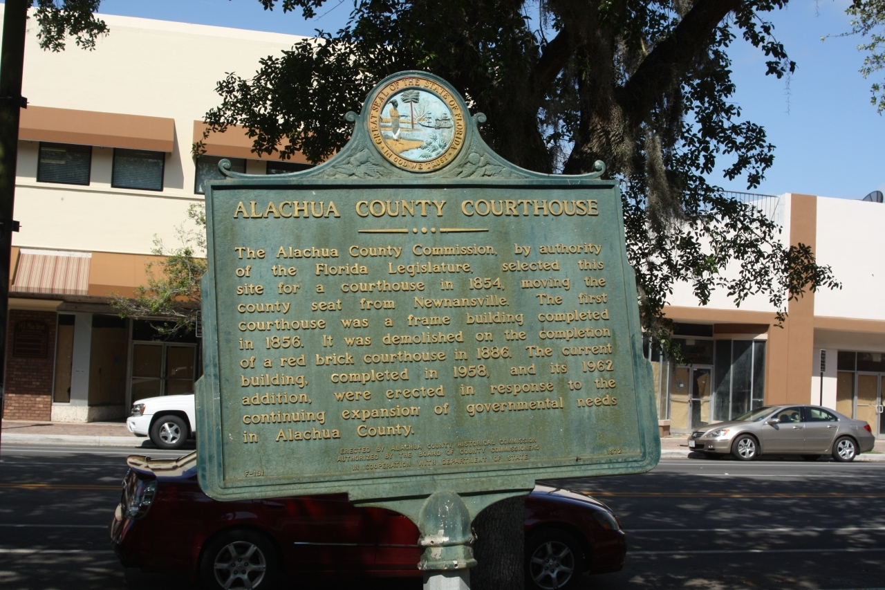 Alachula County Courthouse Marker, along S Main Street