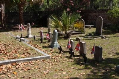 St. Helena's Episcopal Church .. Confederate plot image. Click for full size.