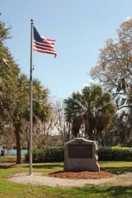 Roll of Honor Marker with the mentioned Palm Trees at Daffin Park image. Click for full size.