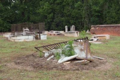 Newberry Village Cemetery disrepair image. Click for full size.