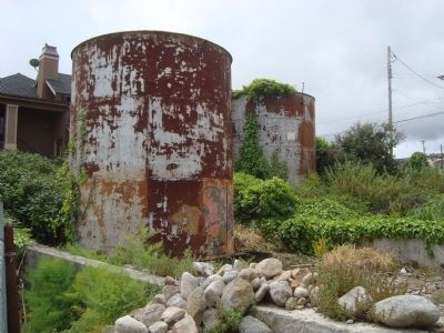 Associated Oil Tanks image. Click for full size.