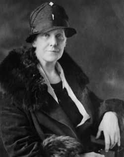 Anna Jarvis (1864–1948) image. Click for full size.