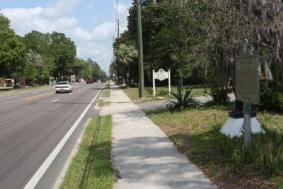 The Bailey House Marker along northbound NW 6th Street image. Click for full size.