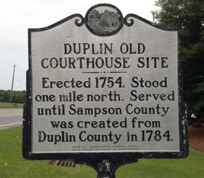 Duplin Old Courthouse Site Marker image. Click for full size.
