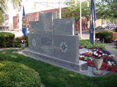 Obverse Side - - Johnson County War Memorial Honor Rolls Marker image. Click for full size.