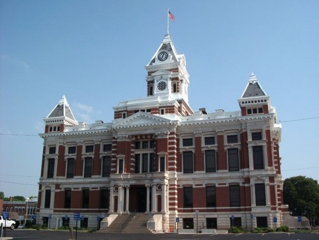 South Side - - Johnson County Courthouse - Franklin, Indiana image. Click for full size.