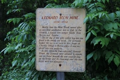 Leonard Iron Mine Marker image. Click for full size.