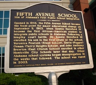 Fifth Avenue School Marker image. Click for full size.