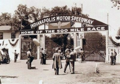 Track Entrance - Gate # 5 . . . image. Click for full size.