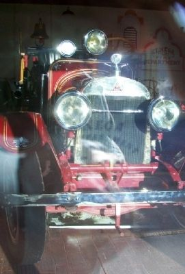 1922 Stutz Fire Engine at City Hall Fire Department image. Click for full size.