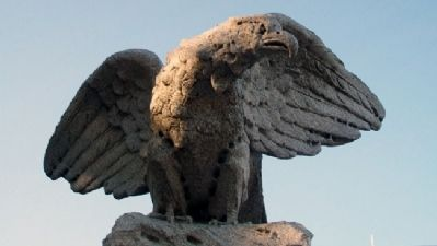 World War Memorial Eagle image. Click for full size.