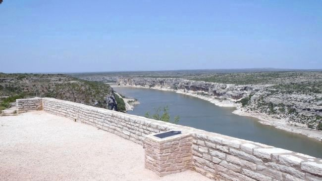 Medal of Honor Fight, 1875 Marker with Pecos River below image. Click for full size.