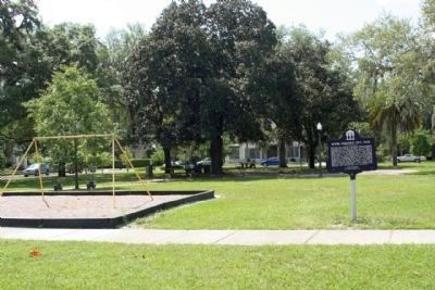 Roper Park / Old City Park Marker amid the present day park image. Click for full size.