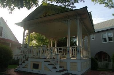 Weaverville Bandstand and Marker image. Click for full size.