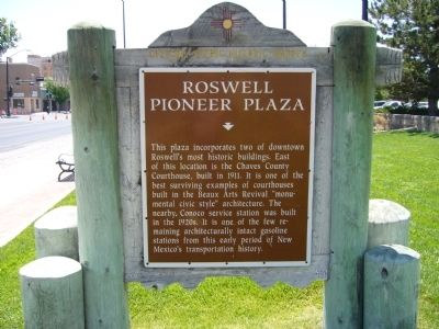 Roswell Pioneer Plaza Marker image. Click for full size.