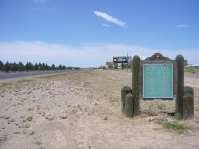 Roswell Marker - Wide View, old version image. Click for full size.