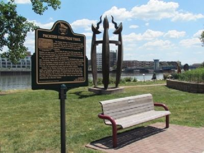 Packers Heritage Trail Marker, Fox River and artwork image. Click for full size.