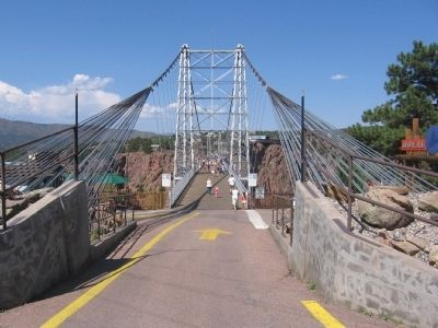Royal Gorge Bridge image. Click for full size.