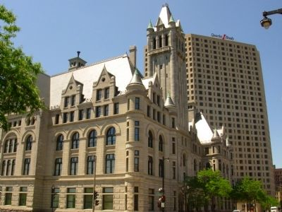 Milwaukee's Federal Courthouse today image. Click for full size.