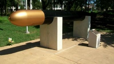 MK-14 Submarine Torpedo and Marker image. Click for full size.