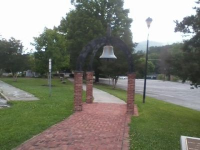 Rabun County Courthouse Bell image. Click for full size.