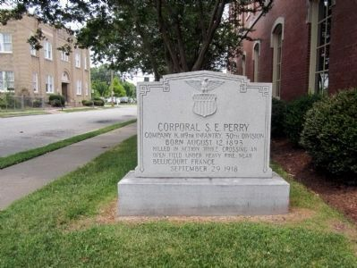 Corporal S.E. Perry gravesite image. Click for full size.