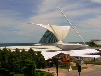 Milwaukee Art Museum Expansion image. Click for full size.