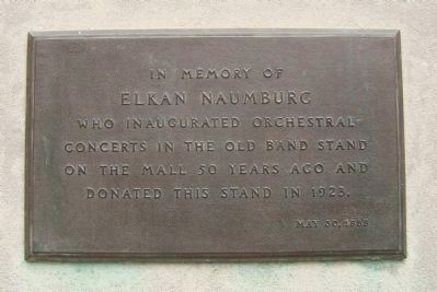 Elkan Naumburg Plaque image. Click for full size.