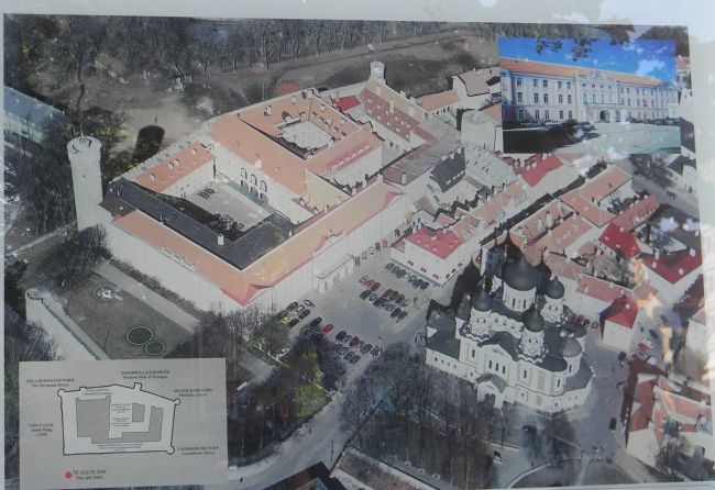 <i>Toompea Loss</i> Marker: close-up of aerial photo and diagram image. Click for full size.
