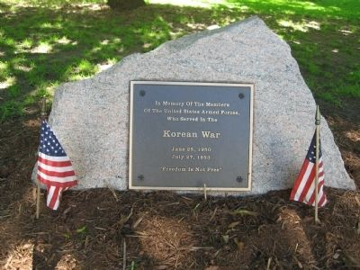 Guilford Korean War Monument image. Click for full size.