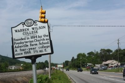 Warren Wilson College Marker, looking west image. Click for full size.
