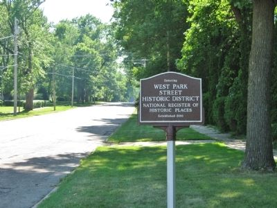 Nearby Historic District Sign image. Click for full size.