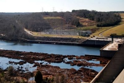 Hartwell Dam<br>Georgia Shore image. Click for full size.