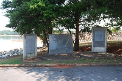 Hartwell Lake Markers image. Click for full size.