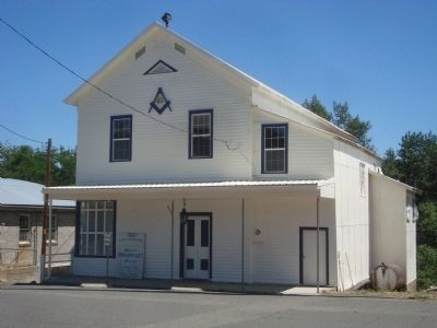 Masonic Lodge on Main Street image. Click for full size.